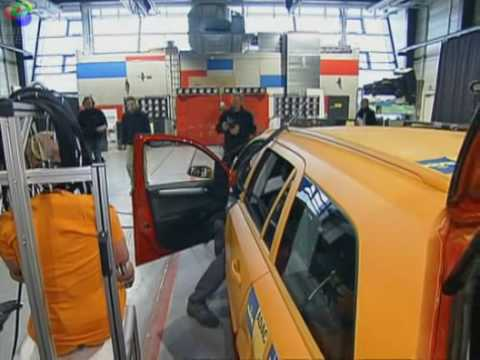 Auto Crash Test - Autogas Crash und Brand